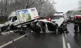 Śmiertelny wypadek na DK14 pod Strykowem we wsi Dobra. 2 osoby nie żyją [ZDJĘCIA]