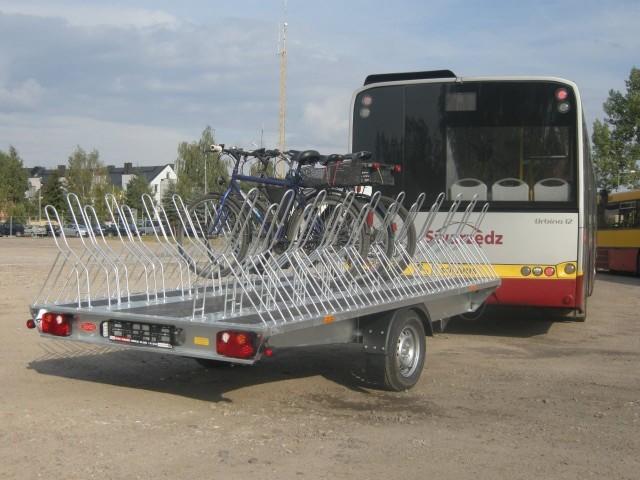 W zeszłym roku przez 15 weekendów autobusami przejechało ponad 2 tys. pasażerów i blisko 330 rowerów