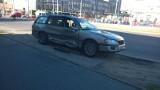 Wypadek Zachodnia Limanowskiego. Samochody w torowisku