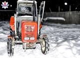 Przejażdżka traktorem po polu zakończyła się w szpitalu