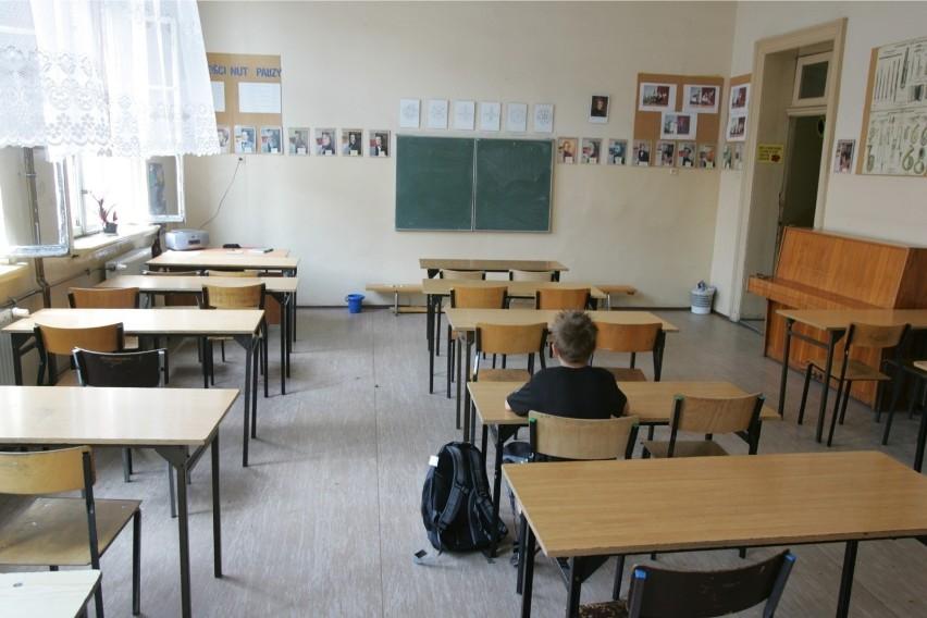 Strajk nauczycieli 2019: Kiedy zostanie wznowiony? Jakie wyniki ankiety ZNP? [5.10] [POSTULATY] Czy szkoły znów będą zamknięte?