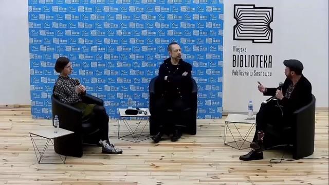 Podczas pierwszego spotkania mogliśmy wysłuchać Olgi Drendy i Przemysława Czaplińskiego. Spotkanie poprowadził Grzegorz Jankowicz.Zobacz kolejne zdjęcia. Przesuwaj zdjęcia w prawo - naciśnij strzałkę lub przycisk NASTĘPNE