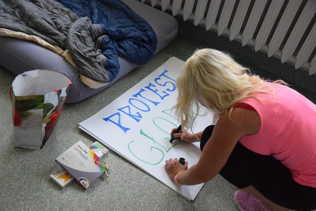 Od poniedziałku w Wojewódzkim Szpitalu w Przemyślu trwa protest głodowy.