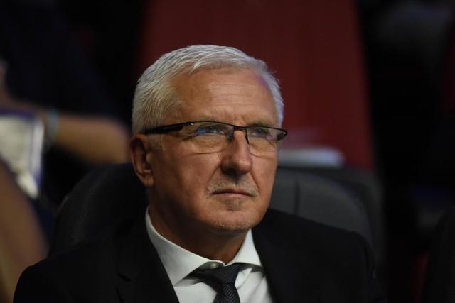 Na konto senatora Wadima Tyszkiewicza wszedł komornik. Chodzi o niezapłacony abonament RTV. Sprawa wywołała kilkaset komentarzy.