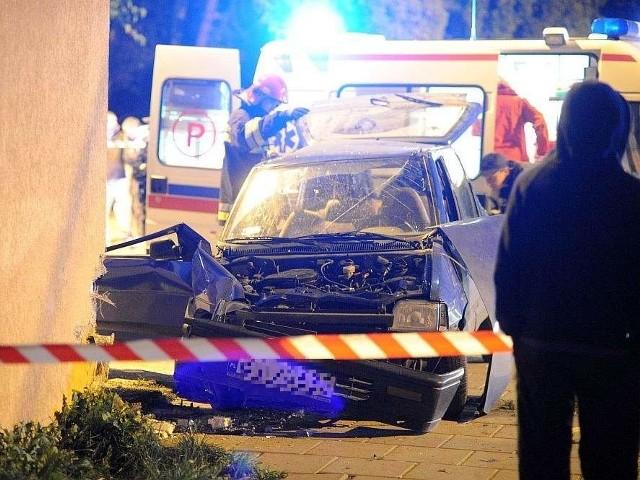 Prowadzone przez pijanego kierowcę tico uderzyło w sklep