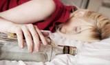 Kobiety w ciąży rodzą pod wpływem alkoholu. Biorą też narkotyki