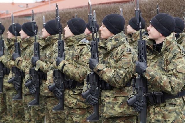 Karabinki Grot w rękach żołnierzy z kampanii reprezentacyjnej.