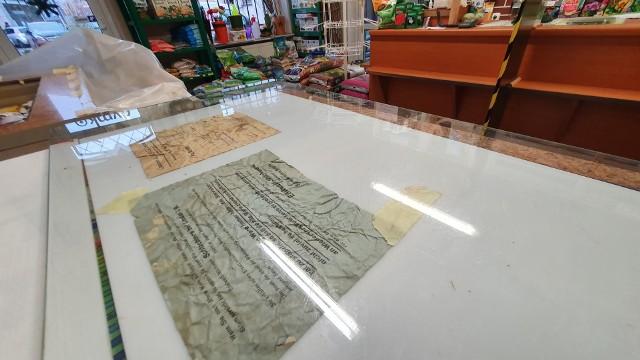 Listy przewozowe, rachunek z mleczarni, gazety z pochwałą führera - ciekawe znalezisko w sklepie ogrodniczym w Słupsku