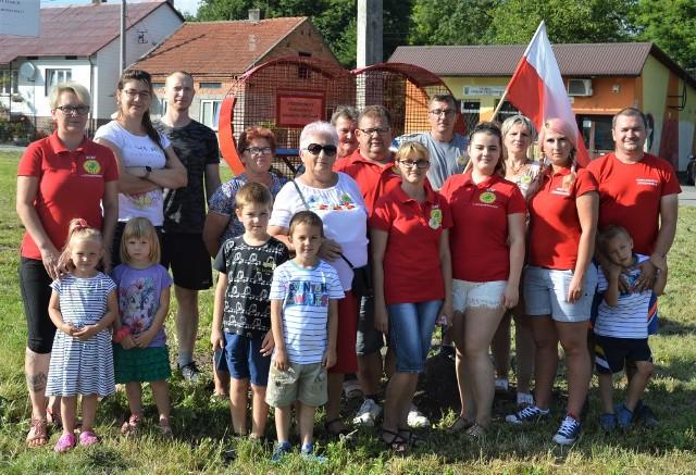 Mieszkańcy Stogniowic obok zamontowanego pojemnika