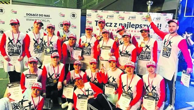 W tym roku tancerze Akademii Tańca Szał w kategorii miniformacje 31+ obronili zdobyty w ubiegłym roku tytuł mistrza, natomiast w kategorii formacje 31+ awansowali z drugiego na pierwsze miejsce