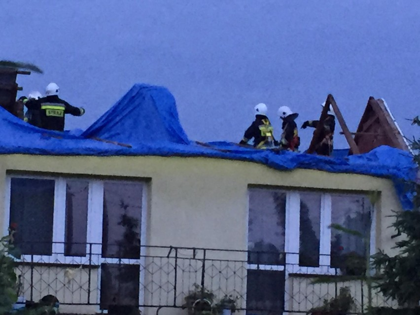 Trąba powietrzna dokonała gigantycznych zniszczeń w Librantowej i Koniuszowej. Zerwała dachy z kilkunastu budynków