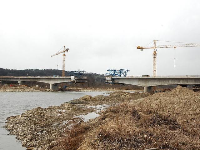 Nowy Sącz. Trwa budowa nowego mostu