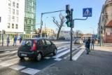 Poznań: Kierowcy na Jeżycach łamią przepisy. Bezpieczeństwo ma poprawić poduszka berlińska