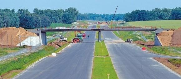 Budowa 82 kilometrów drogi ekspresowej ze Szczecina do Gorzowa pochłonie około 2 mld zł. Pieniądze w części pochodzić będą z budżetu państwa i programu operacyjnego Infrastruktura i Środowisko.