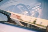 Te zapachy mogą świadczyć o poważnej awarii samochodu. Tych zapachów lepiej nie lekceważyć [lista]