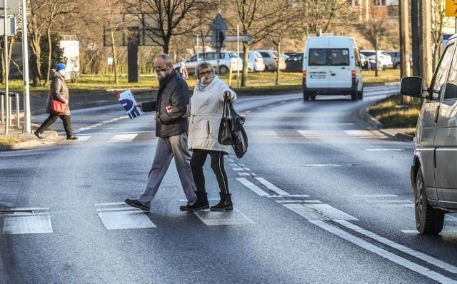 Przejścia dla pieszych w powiecie tucholskim muszą być bezpieczne i dawać pieszemu maksimum komfortu