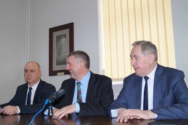 Ostrołęka. Minister Kowalczyk o przyczynach słabego zainteresowania programem Czyste Powietrze