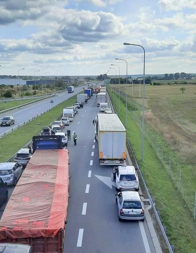 Ze względu na kolizję przez godziny trasa w okolicach Międzyrzecza  była zablokowana.
