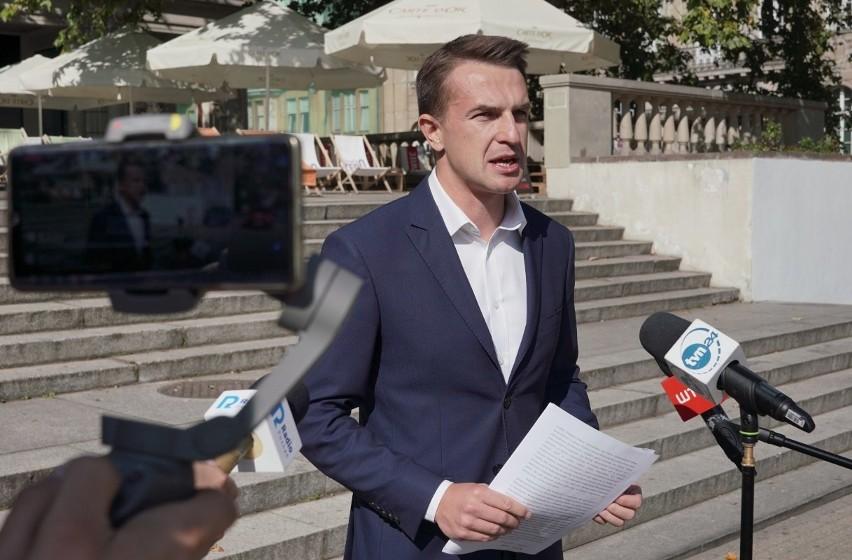 Szef Nowoczesnej, Adam Szłapka postanowił skierować do Najwyższej Izby Kontroli wniosek o przeprowadzenie kontroli w Ministerstwie Sprawiedliwości oraz w Fundacji Lux Veritatis w celu zbadania zgodności z prawem wydatkowania pieniędzy z Funduszu Sprawiedliwości.
