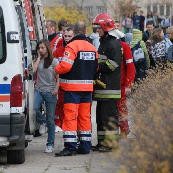 Wczoraj z Gimnazjum nr 18 trzeba było ewakuować ponad 700...
