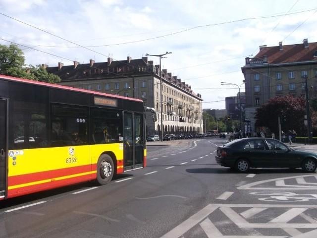 W piątek lepiej ustawiono sygnalizację dla samochodów na Kościuszki. Dalsze prace w przyszłym tygodniu