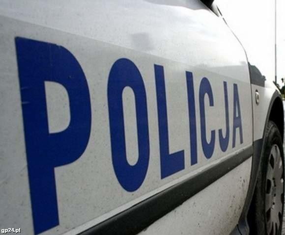 500-złotowym mandatem został ukarany 30–letni kierowca opla. Dodatkowo dostał 10 punktów karnych. Powód? Przekroczenie prędkości o 71 km/h.