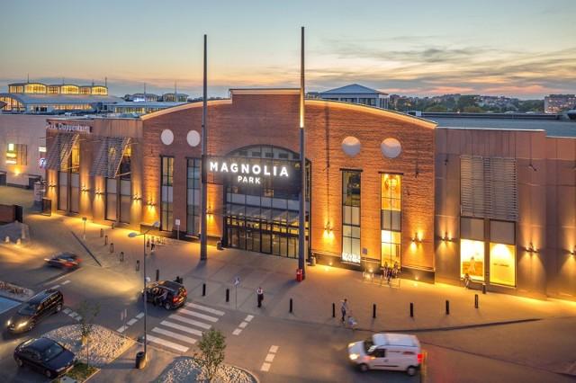 Nowy hipermarket w Magnolia Park. Już wiadomo, że nowoczesny sklep w największym centrum handlowym na Dolnym Śląsku uruchomi francuska sieć Carrefour. Powstanie w miejscu, gdzie do niedawna działało Tesco.CZYTAJ WIĘCEJ, SPRAWDŹ SZCZEGÓŁY NA KOLEJNYM SLAJDZIE. PORUSZAJ SIĘ PO GALERII PRZY POMOCY STRZAŁEK LUB GESTÓW NA TELEFONIE KOMÓRKOWYM