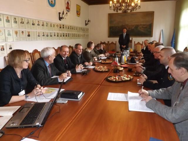 Nad losami Osiedla Wojskowego debatowali m.in. przedstawiciele MON, WAM, Posłowie na Sejm, a także prezesi ZGM i ZC oraz radni.