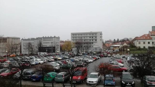 Parking przy Palmiarni w Zielonej Górze