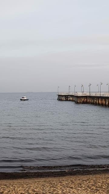 Gdynia: Pod molem w Orłowie znaleziono zwłoki mężczyzny. Na miejscu pracowała policja i prokuratura