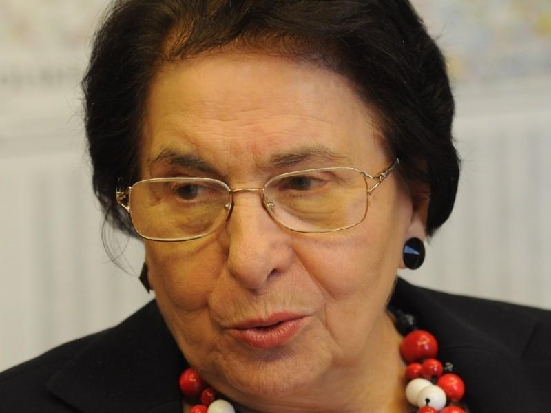 Prof. Dorota Simonides