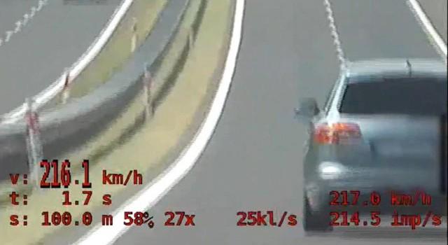 216.1 km/h - tyle dokładnie pokazał policyjny wideoradar
