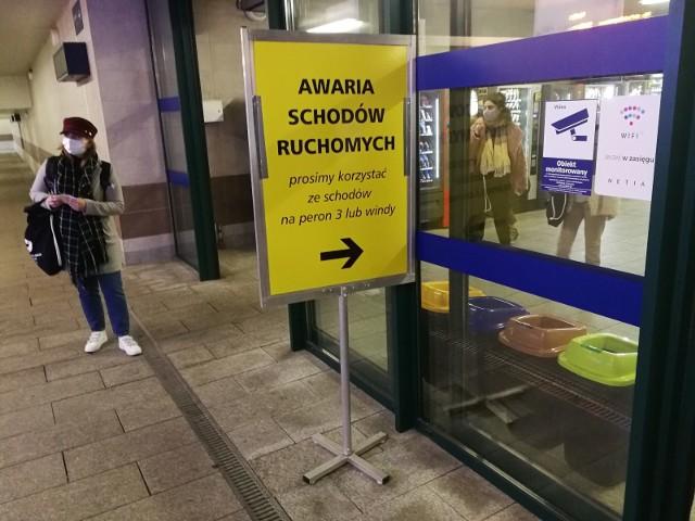 Ruchome schody na Dworcu Głównym w Toruniu znowu się zepsuły