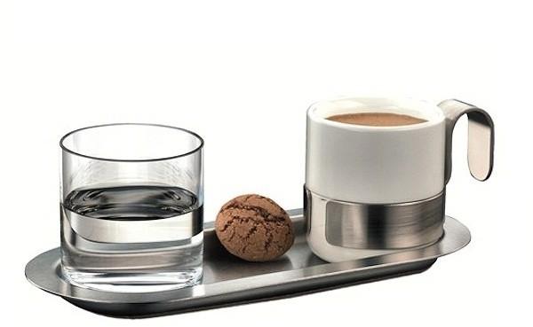 Akcesoria do podawania kawy - AuerhahnTaki zestaw do serwowania kawy espresso kosztuje około 90 zł.