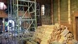 Strzelce Opolskie. Ponad 300-letni kościół św. Barbary będzie wyremontowany, bo trawią go korniki i przechyla się na bok