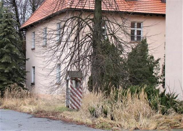 Dawne koszary wojskowe na os. Pileckiego w Oświęcimiu czekają na terytorialsów