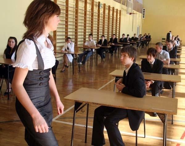 Gimnazjum nr 10 w Rzeszowie. Tuz przed testem humanistycznym.