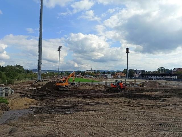 Stadion Sandecji zmienia się z dnia na dzień