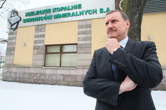 - Jestem w Kielcach po to, aby czarny scenariusz, czyli likwidacja Kopalni Surowców Mineralnych, się nie spełnił. Dopóki nie wyprowadzę firmy na prostą, pracuję tu za darmo – mówi nowy prezes Maksymilian Kostrzewa.