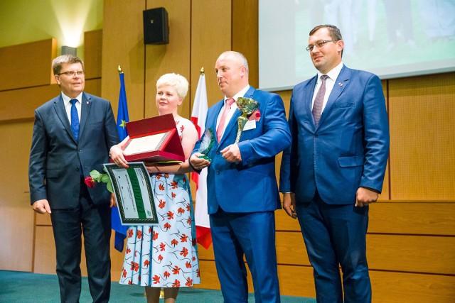 Wioletta i Radosław Budlewscy - Mistrzowie Podlaskiej Agroligi w kategorii Rolnicy