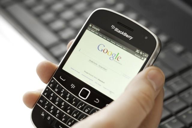 Google nie tylko nagrywa komendy głosowe, ale także niektóre fragmenty rozmów.