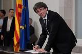 Deklaracja niepodległości Katalonii podpisana i... zawieszona. Co zrobi rząd Hiszpanii? [ZDJĘCIA]