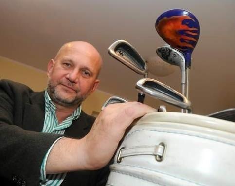 Miłośnikiem golfa jest w Gorzowie m.in. dyrektor szpitala Andrzej Szmit (fot. Kazimierz Ligocki)