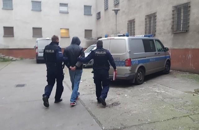 21-latek zgłosił się na policję, będąc pod wpływem narkotyków