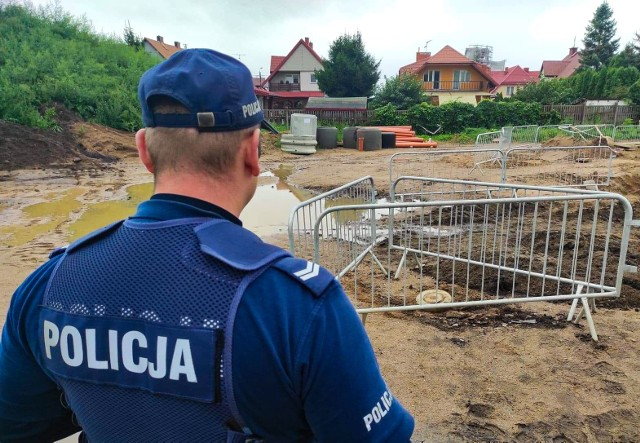 Niewybuch na placu budowy Sądu Rejonowego w Grajewie. Na miejsce jadą saperzy