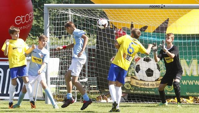 Finał w grupie starszej, czyli Argentyna kontra Brazylia (żółte koszulki).