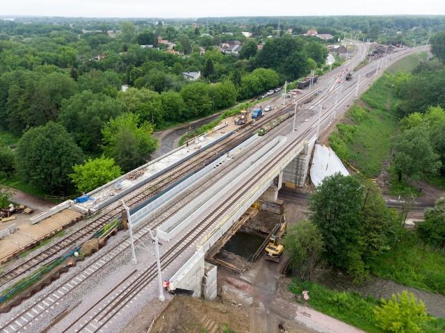 Wykonawca prac związanych z remontem wiaduktu kolejowego nad ul. Janowską po raz kolejny zapowiedział zmiany w ruchu drogowym
