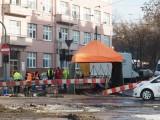 MPK remontuje tory na ul. Narutowicza pod rozstawionym namiotem