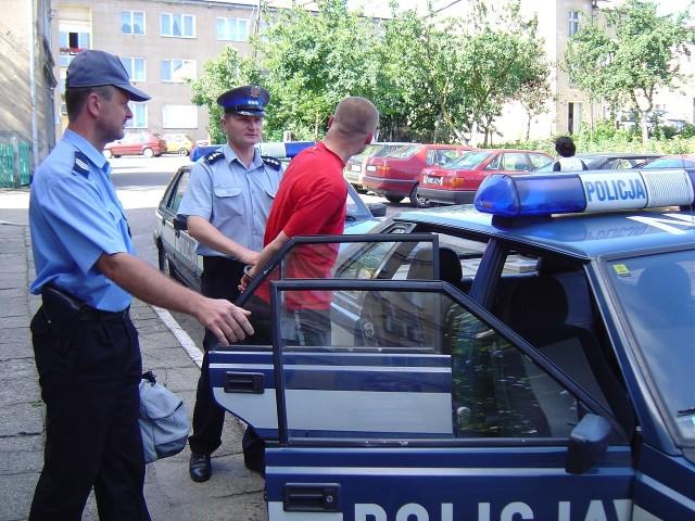 Mieczysław Z. na stałe mieszka w Rzepinie. Był już wcześniej karany. Ostatni wyrok skończył odsiadywać rok temu.