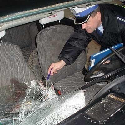 Uszkodzonego poloneza policja znalazła w garażu Zbigniewa R.